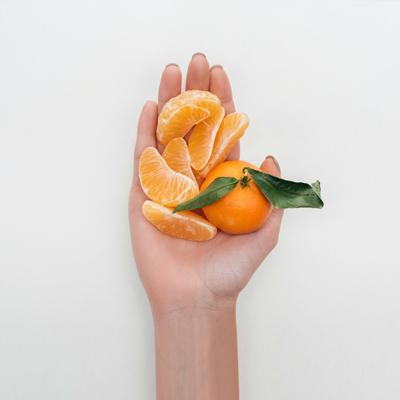 fungi_manos_fruta